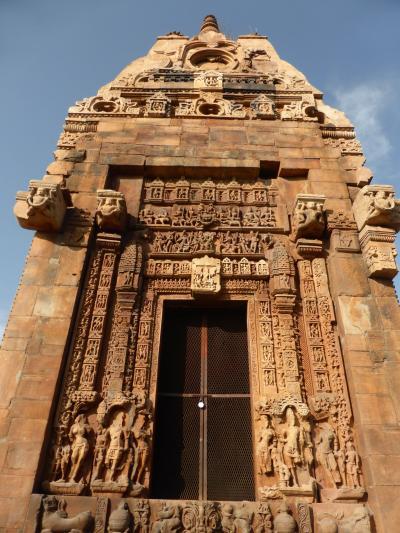 インド北西部14の世界遺産を巡る旅~カジュラホを立ち、サーンチへの起点のボパールに