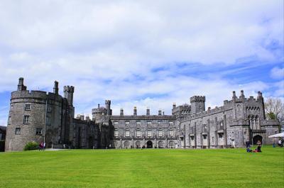 ギネスと雨の国アイルランド(8) 中世の香り漂うレンスター地方の白亜の街 キルケニー