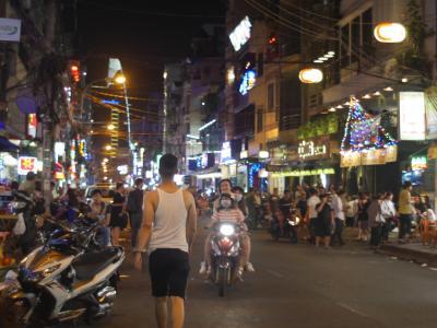 ベトナム、サイゴン、ブイビィエン通り界隈の風景。バックパッカー的サバイバル的歩き方。