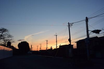 散歩 2016.01.21 =明るくなってきた東の空を見ながら=