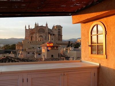 ★マヨルカ島車旅 パルマ・デ・マヨルカ大聖堂が見える部屋から歩いてみると…