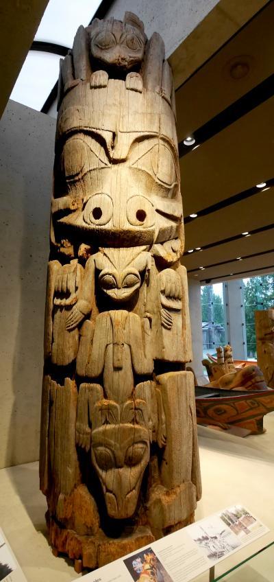 2015.12バンクーバー学会旅行4-Gyu Don Ya,UBCMOA(ブリティッシュ・コロンビア大学人類学博物館)のトーテムポール