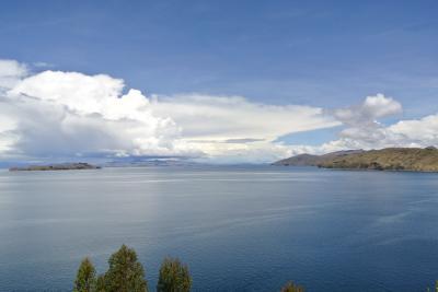 ペルーとボリビア(④チチカカ湖~ウロス島~太陽の島)に行って来ました。