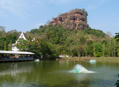 手作りタイ旅行(7)ポーン・ピサイ、ナ・カム村などの寺巡り、そしてブンカーンへ