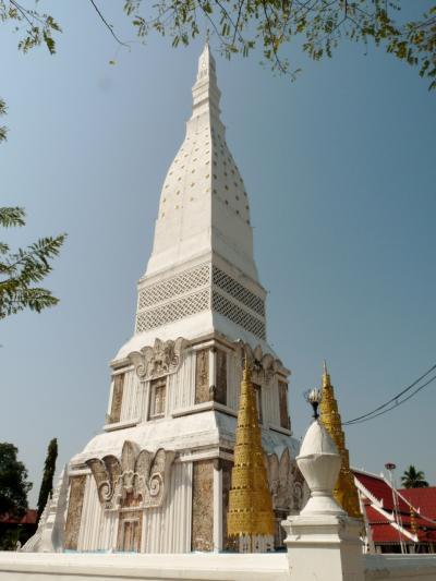 手作りタイ旅行(8)ナーワ村、タ・ウテンなどの寺巡りを経てナコンパノムへ