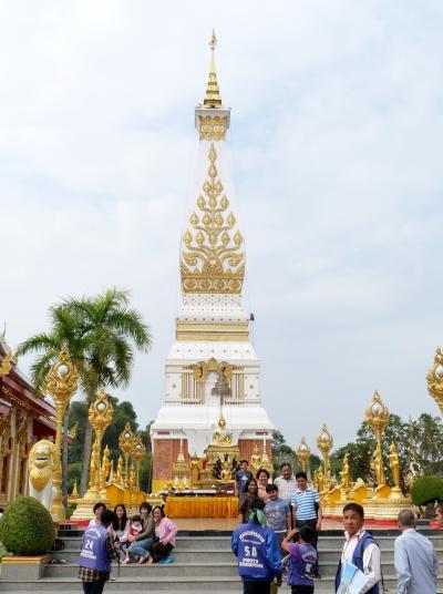 手作りタイ旅行(9)ナコンパノムから寺巡りをしながらタートパノム、ムクダハンへ