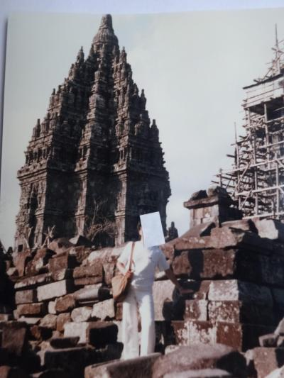 (7)1985年7月インドネシア(バリ島とボロブドゥール)の旅6日間インドネシア②(プランバナン寺院)