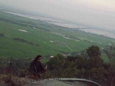 信仰の「サム山」から見るカンボジアの風景