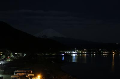 冬の花火・河口湖 ~夜に浮かびあがる富士山と花火のコラボを求めて