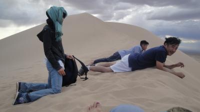 モンゴル南ゴビ砂漠・ラクダに乗る体験ツアー