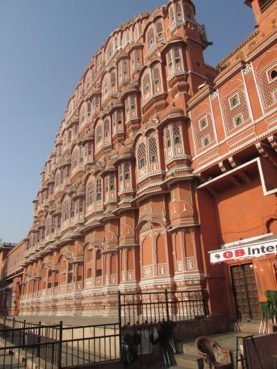 インド 「行った所・見た所」 ジャイブールの風の宮殿(ハワ・マハル)散策