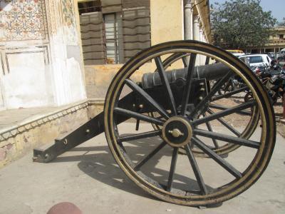 インド 「行った所・見た所」 ジャイブールの市街観光を終えてアグラへ