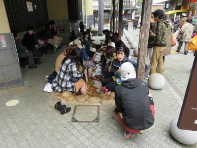 ★☆不躾ながら、そんなに多くない経験から言わせてもらいますが、「宿泊料金」はやや高めに設定されていると思います。そうは言っても、神戸市内にある日本でも結構古くからある「メジャーな温泉」と言う事で、そこそこ交通の便も良く、海外からも観光客が沢山やってくるようです。ハイ、『有馬温泉』に行ってきました^^。☆★