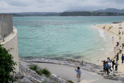 2016春、沖縄旅行(6):3月18日(4):三重城港から、古宇利島へ、御菓子御殿で昼食、古宇利島ビーチ、古宇利大橋