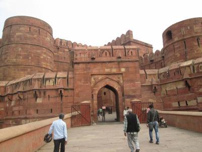 インド 「行った所・見た所」 アグラのアグラ城散策