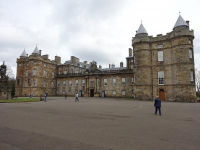 大都会ロンドンとスコットランドの古都、エディンバラを訪ねて③ ~エディンバラ市内観光・アーサーズシートからホリールード宮殿~