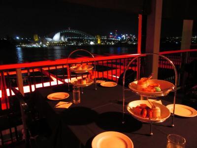 ありえない初オーストラリア09★シドニー★野外オペラ トゥーランドット@ハンダ・オペラ・オン・シドニー・ハーバー と 休憩時間はオペラハウスを眺めながらデザート・ハイティー