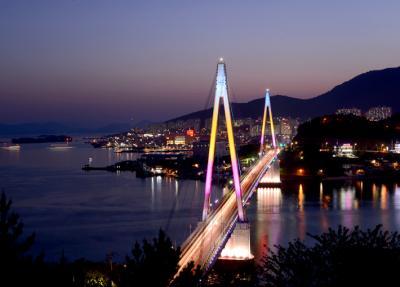 眠らないあ都市、「EXPO」と「夜の海」の麗水(ヨス)