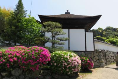 2016春、奈良のお寺の花巡り(1/17):4月30日(1):長岳寺(1):名古屋からバスで奈良へ、伊勢湾岸道路、長岳寺、参道のツツジ