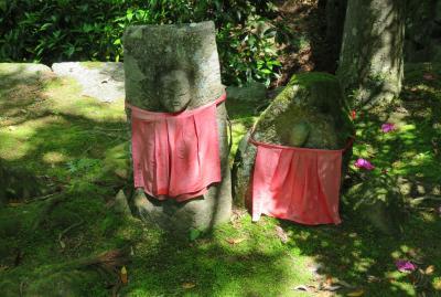 2016春、奈良のお寺の花巡り(2/17):4月30日(2):長岳寺(2):山門、境内のツツジ、池のカキツバタ、地蔵尊、句碑、鐘楼