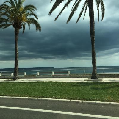50代夫婦 パルマ・デ・マヨルカ島 ワンデ~ トリップ 小雨