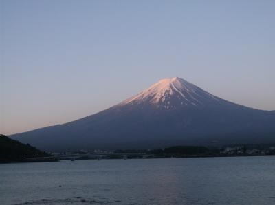 河口湖の富士山を見に朝早く行って来ました・・・・