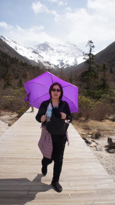 熊猫深山之旅(4)【九寨溝・黄龍・峨眉山・楽山】九寨溝から標高4006メートルの雪山梁子を越えて黄龍へ至り、美しい景色の中をトレッキング。