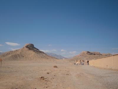 神秘的な砂漠都市、ヤズドへ