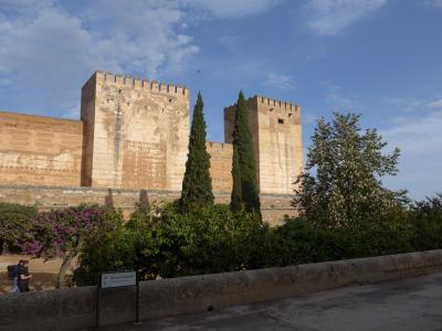 スペインを見て廻る旅~その8 ※グラナダの2日目はアルハンブラ宮殿!! 広い、きれい、凄い!! パート1 o(^-^)o
