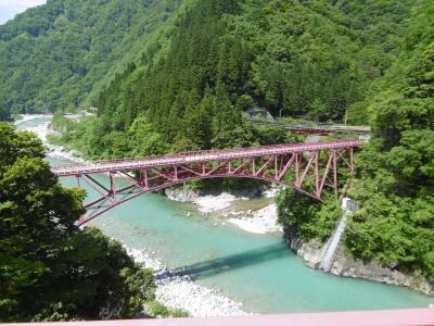 新緑の富山・石川  ①黒部峡谷鉄道のトロッコ
