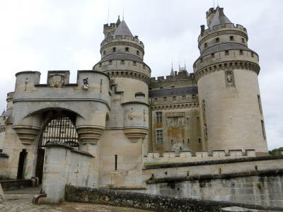 東フランスの田舎とパリを楽しむ8日間⑤-1(シャンパンカーブとピエールフォン城)