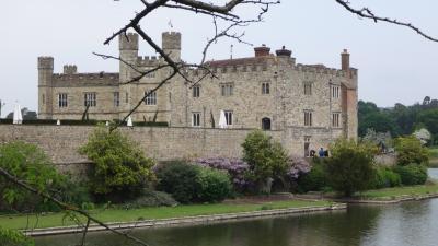ウェールズと南イングランド周遊(60) ツアーオプションは、水の中の美しいリーズ城の観光 上巻。