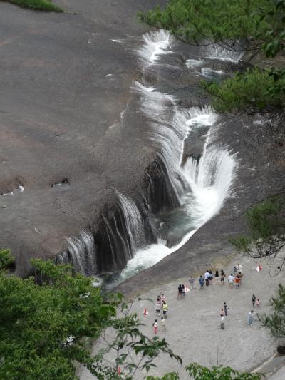 老神温泉_Oigami Onsen 『神』開湯伝説!「吹割の滝」の下流に湧く歴史ある温泉