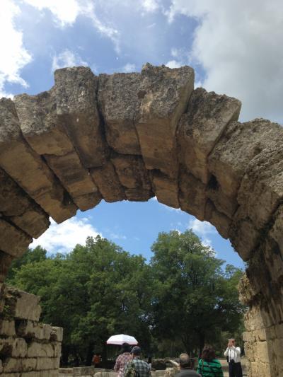 オーシャニア・リビエラ地中海クルーズvol.12 静かなオリンピアの遺跡巡り!遠く訪ねたオリンピアはなんと隣街の姉妹都市だった!(^_−)☆