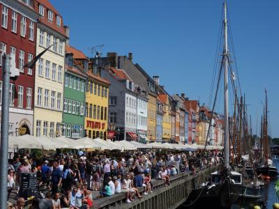 コペンハーゲンの街歩き。ニューハウン,市庁舎,ストロイエ通り。大きな町ですね。