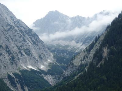 オーストリアのチロル&エーアヴァルト、ドイツのバイエルンの旅 【74】 ロイターシュの谷を歩いて
