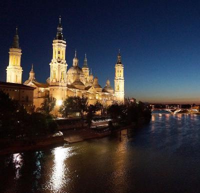 団塊夫婦の2016年スペイン旅行−(11)古都サラゴサ・夜景が美しい世界遺産の建物群