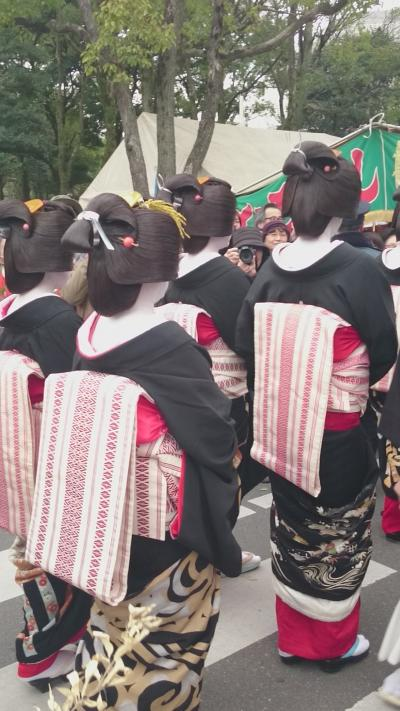 十日恵比須神社の芸子かち詣り