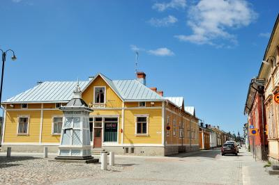 夏の扉を開けて・・・輝きの季節を迎えたフィンランドへー3 フィンランド3づくし・・・3番目に古い街ラウマと3番目に大きい街トゥルク散策です。 (*^▽^*)