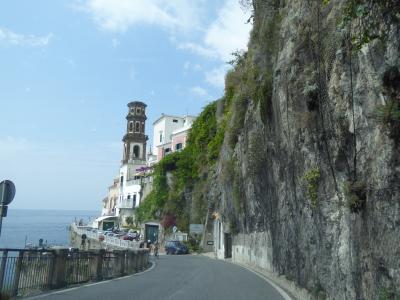 夏の優雅な南イタリア周遊旅行♪ Vol10(第2日) ☆Ravello〜Amalfi:ラヴェッロから専用車ベンツでアマルフィへ♪可愛いアトラーニを眺めて♪