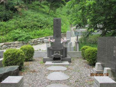 顕鏡寺の白蓮さんと石老山(6)柳原白蓮さん墓参。