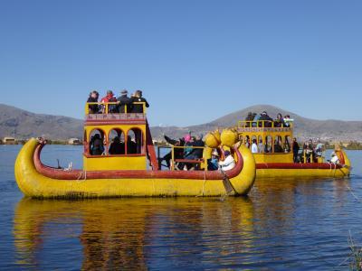 思いのままに旅するペルー(12) ティティカカ 青く輝く神聖な湖 足元フワフワなトトラの浮島【ウロス編】