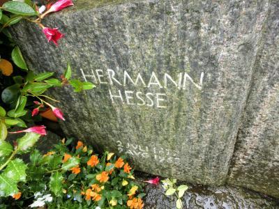 2016年20日間スイス一周15:モンタニョーラにヘッセの終の棲家と墓を訪ねて。