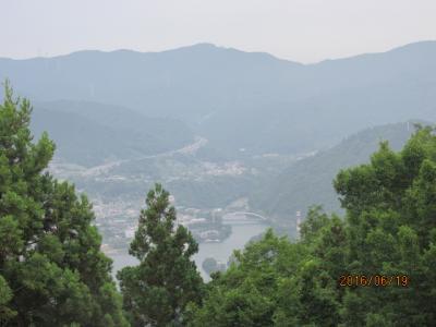 顕鏡寺の白蓮さんと石老山(10)大明神展望台経由下山へ。