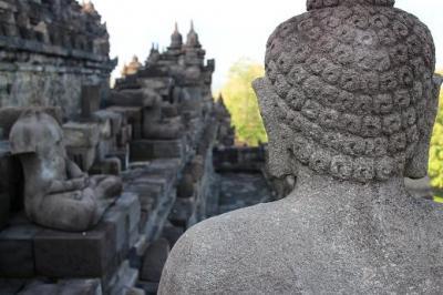 ボロブドゥール寺院を満喫