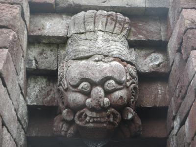 ジャワ島とインドネシア歌謡を聴く旅(7)        スクー寺院(Candi Sukuh)を見る。