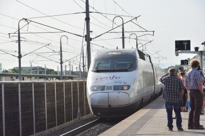 南欧・美の旅(8) 小トラブルあるも 何とかバルセロナ・サンツ駅に  AVE(高速鉄道)で無事到着