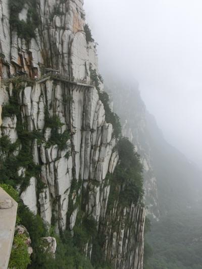 【洛陽・西安】少林寺と嵩山、龍門石窟、西安城壁 もりだくさんの旅