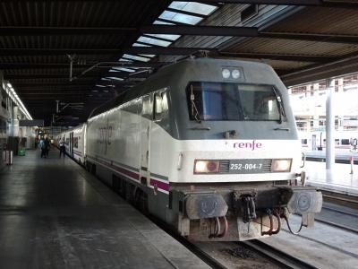 スペイン鉄道でヨーロッパ最南端の駅へ(ALTARIAタルゴ列車に乗って)