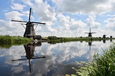 駆け足で巡る欧州10ヶ国 ベネルクス・北欧4ヶ国・バルト3国 周遊1人旅 その4:キンデルダイク編+デン・ハーグ編+ロッテルダム編② キンデルダイクの風車とフェルメールの真珠の耳飾りの少女とロッテルダムをもう少し